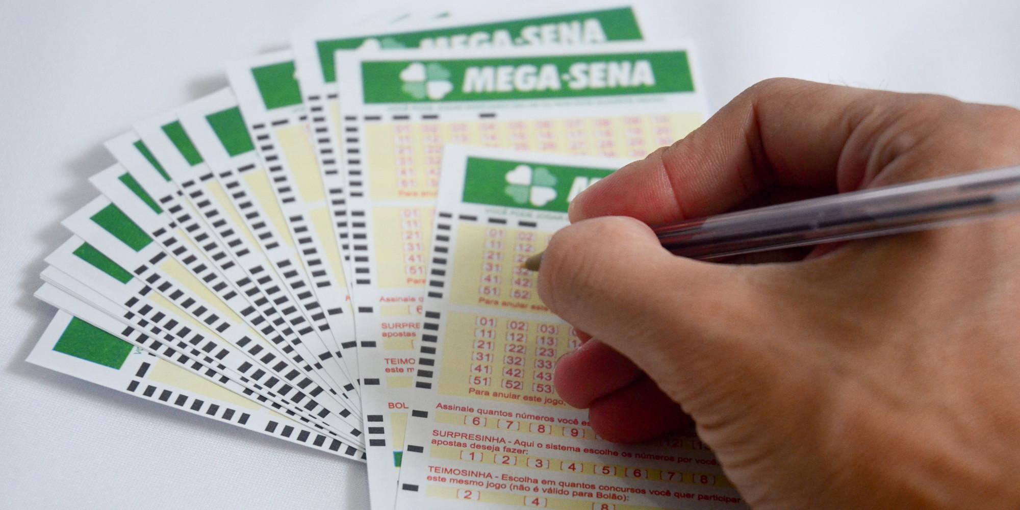 Mega-sena acumula e pode pagar R$20 milhões na quarta-feira