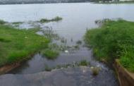 'Parece esgoto', dizem moradores sobre água que corre para a Lagoa Central