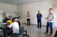 Vereador Professor Fabiano Moreira se reúne com taxistas
