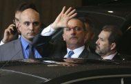 """Bolsonaro diz que """"nada preocupa"""" em relação a Onyx"""