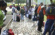 Metade dos venezuelanos que entram no Brasil acaba voltando ao país