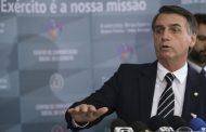 No Twitter, Bolsonaro cumprimenta filho pelo aniversário e faz elogios