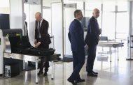 Bolsonaro recebe presidentes da Fifa e da CBF