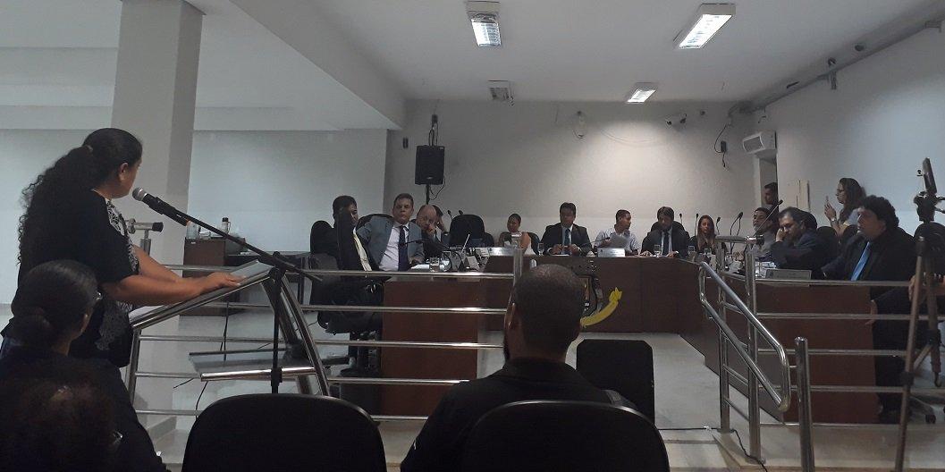 Vereador Robertinho convoca secretária de Gestão para esclarecimentos, mas não comparece à reunião
