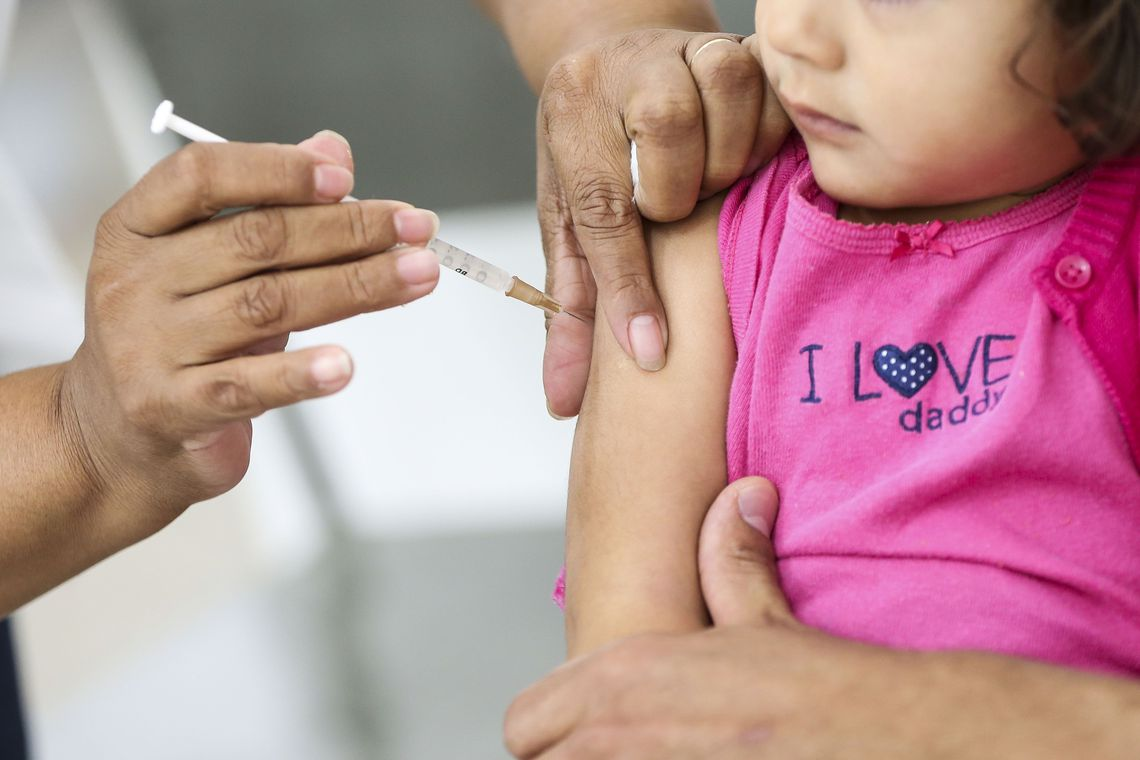 Vacinação contra gripe ainda não atingiu meta em Minas