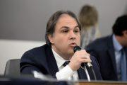 Deputado Betinho Pinto Coelho propõe ampliação do teste do pezinho em Minas Gerais