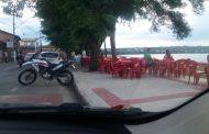 Mesas e cadeiras nas calçadas da orla geram debate em Lagoa Santa