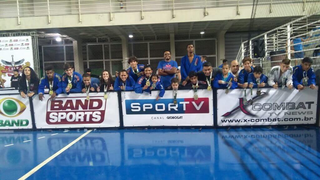 Atletas de Lagoa Santa participam de torneio internacional de jiu-jitsu no Espírito Santo