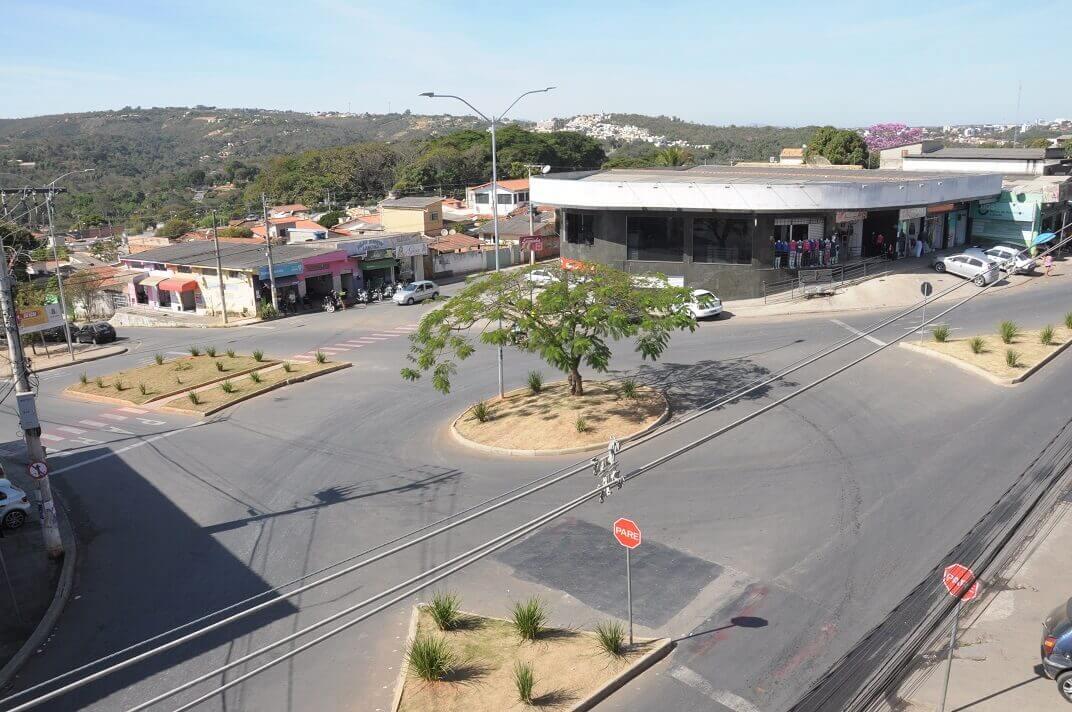 Prefeitura justifica construção de rotatórias como forma de  melhorar o trânsito em Lagoa Santa
