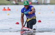 Isaquias Queiroz é campeão mundial de canoagem