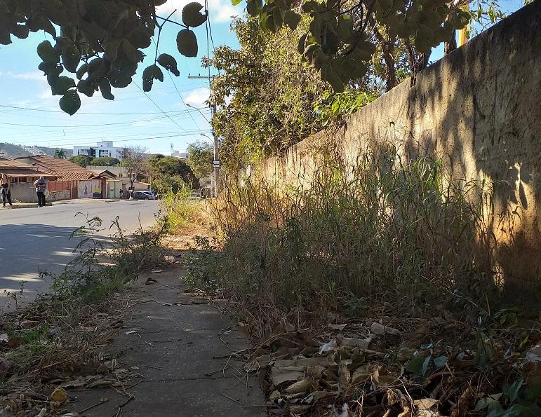 Um bom bairro de se viver, mas as ruas...