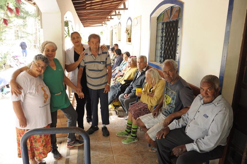 Idosos da Nossa Vivenda Casa para Idosos (Renato Montenegro)