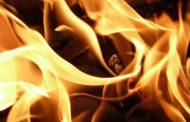 Moradores do Joá, em Lagoa Santa, se mobilizam para apagar incêndio em lote