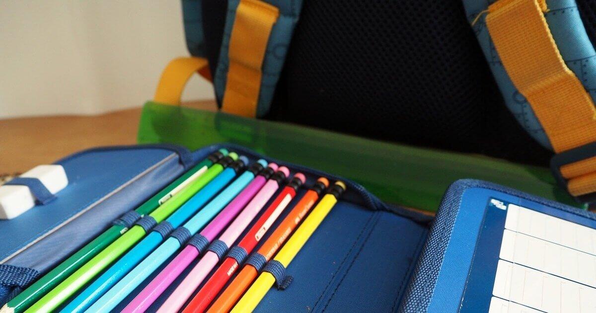 Lei que limita peso nas mochilas ainda é desconhecida pelas escolas privadas de Lagoa Santa