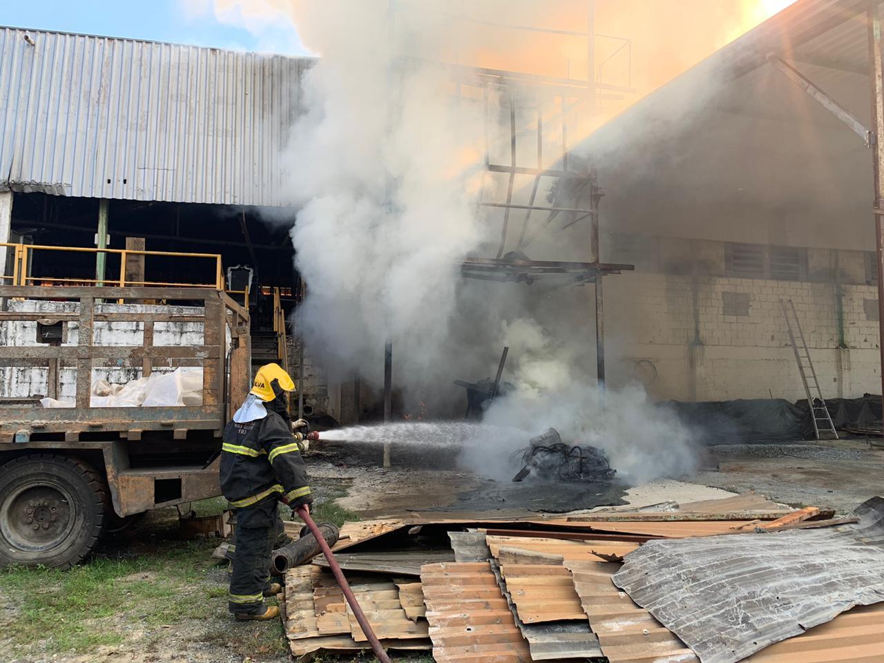 Incêndio na Transmig em Pedro Leopoldo