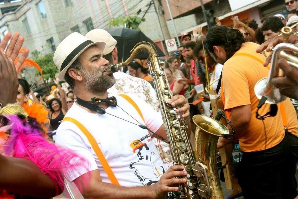 Projeto Café & Música Traz Eduardo Lopes