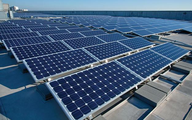 Parlamentares do Podemos cobram explicações sobre taxação de energia solar no país