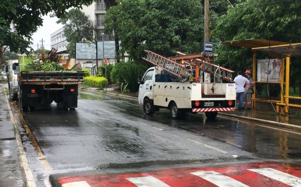 Prefeitura e Cemig já trabalham para desobstruir avenida