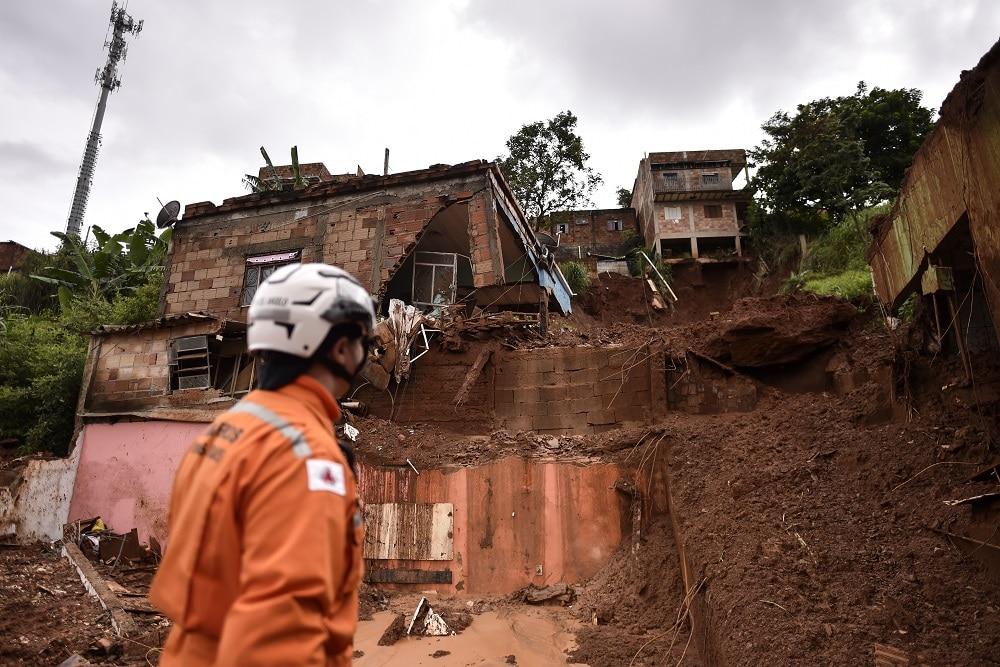 Sobe para 50 o número de mortes provocadas pela chuva em Minas