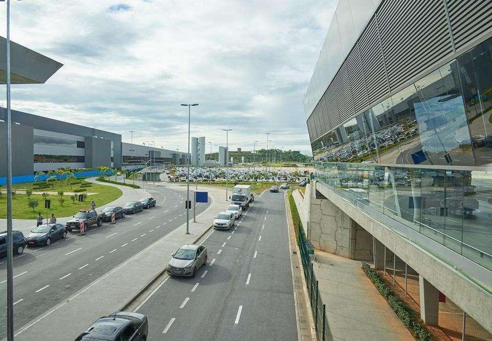 Novo voo com deportados chega ao Aeroporto Internacional de BH
