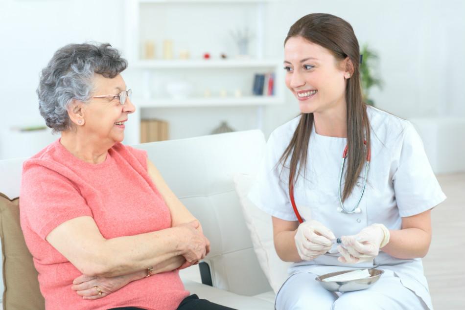 Prefeitura de Lagoa Santa anuncia vacinação dos idosos em casa