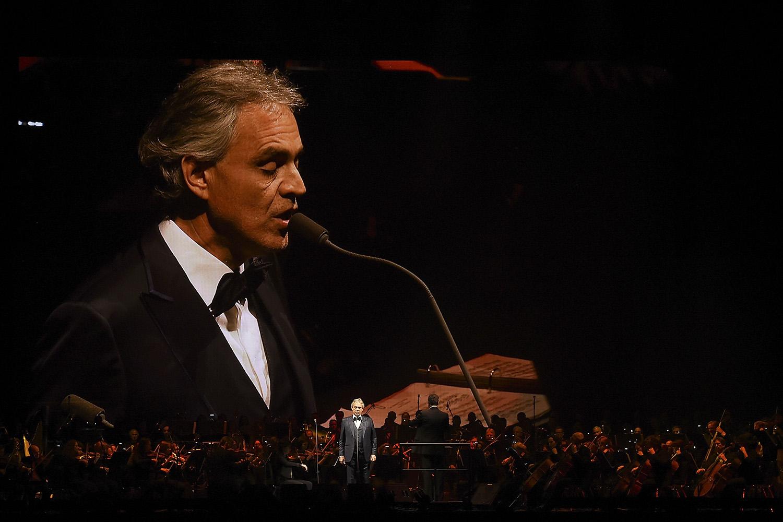 Tenor Andrea Bocelli fará live direto da Catedral de Milão amanhã, domingo de Páscoa