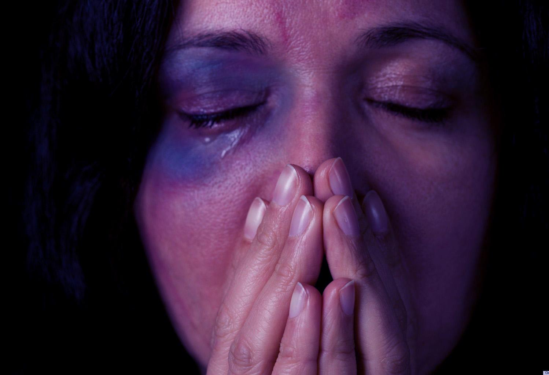 Sabia que qualquer pessoa pode denunciar casos de violência doméstica?