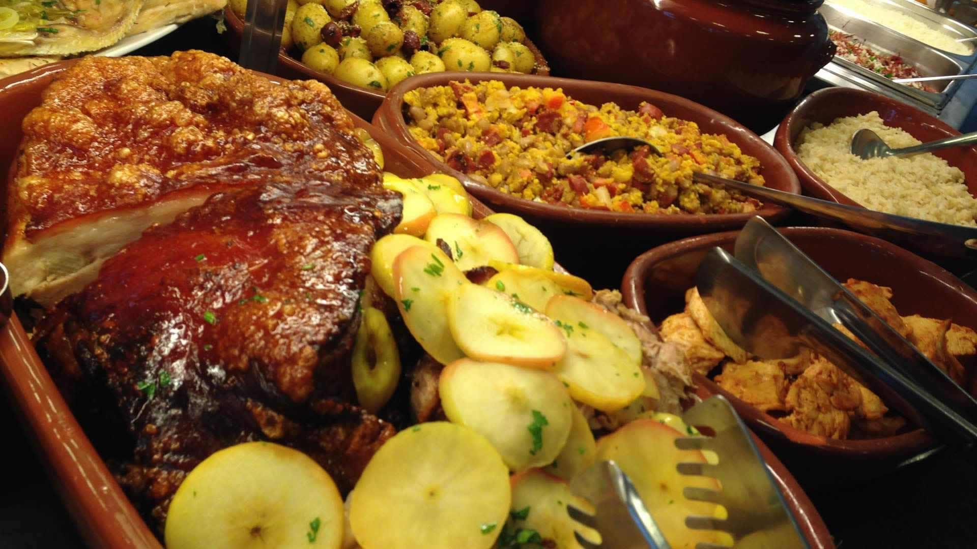 Domingo: dia de descanso e de saborear uma boa comida mineira no Joá!