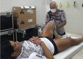 Massagista Belmiro posta foto com o Jogador Hulk