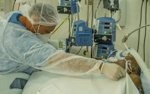 Zema alerta e diz que hospitais só tem 'kit intubação' para um ou dois dias