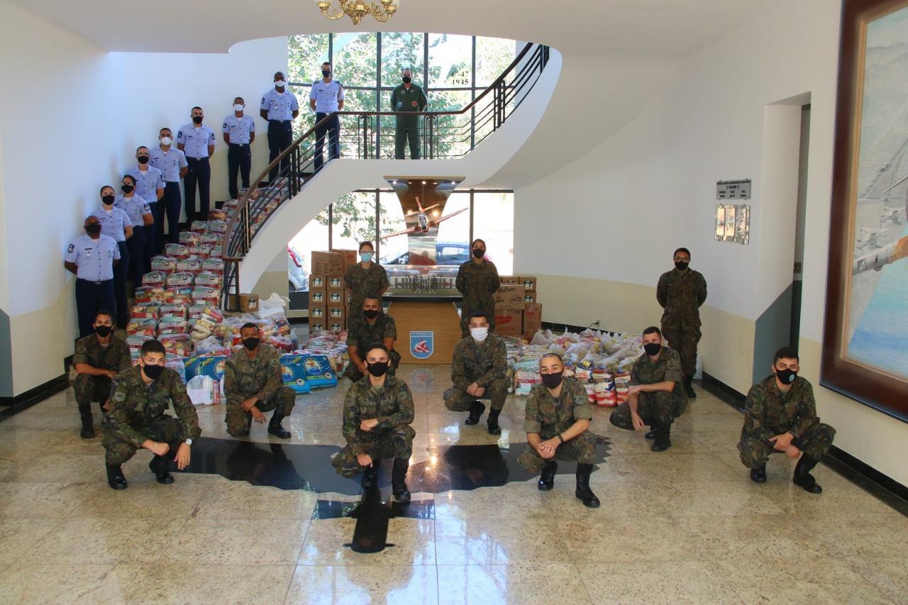 Militares do PAMALS participaram de campanha de doação de produtos de primeira necessidade