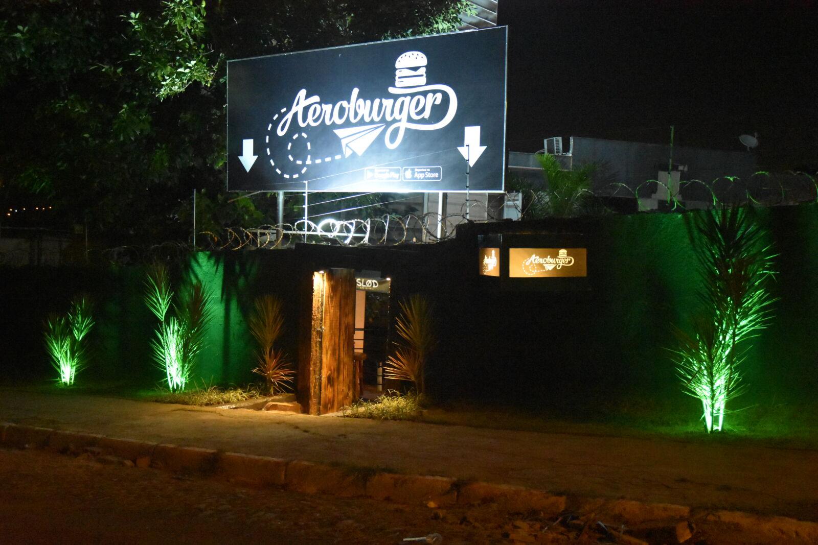 Após funcionar somente como delivery, Aeroburger inaugura espaço físico!