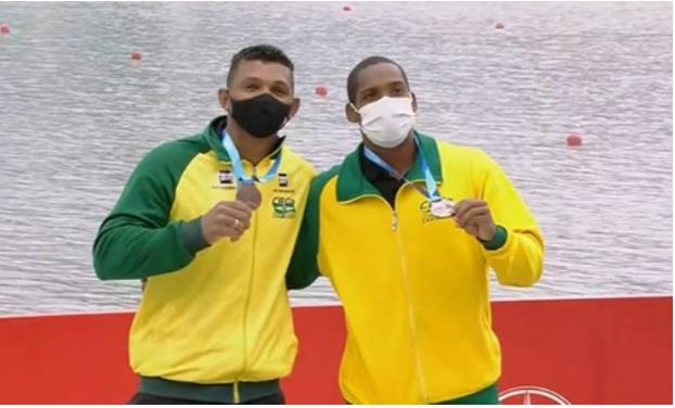 Prata e Bronze para Isaquias Queiroz na Copa do Mundo de Canoagem