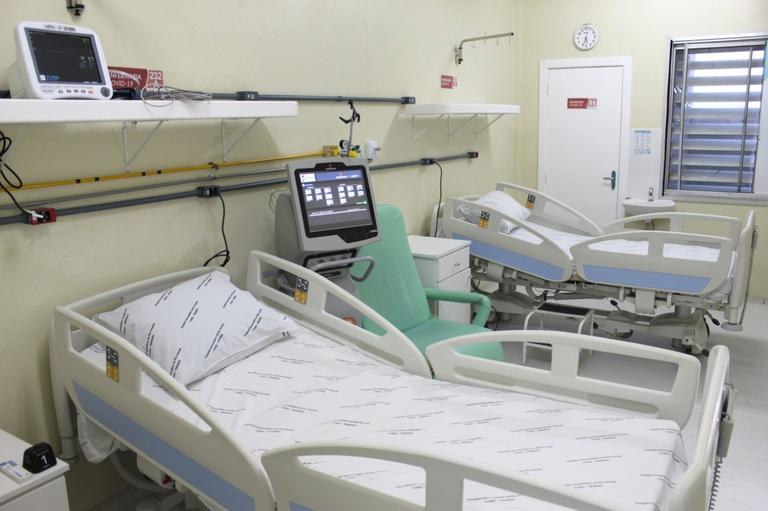 Internações e mortes de idosos com mais de 70 anos cai em Minas após imunização