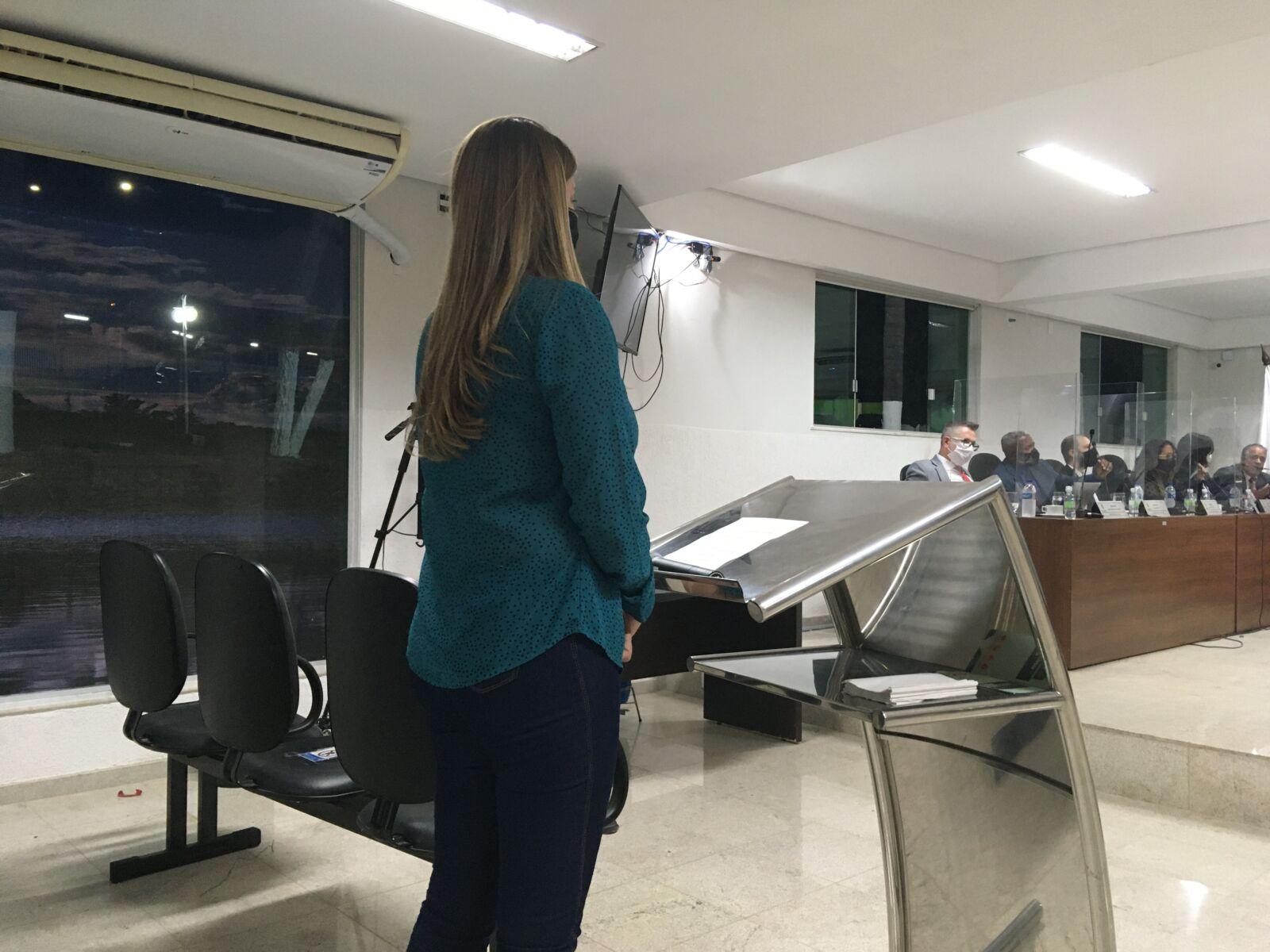 Esposa do vice-prefeito pede retirada de pauta do Projeto que beneficiaria o político com recebimento integral de salário