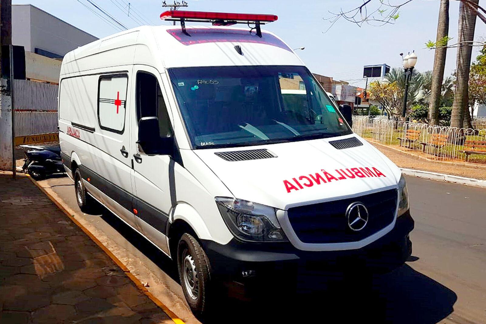 Presidente da Câmara Municipal Paulo da ADM participa da entrega de nova ambulância para o município