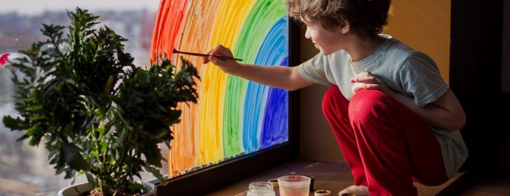 """No """"Dia do Artista Plástico"""" veja como incentivar seus filhos a serem criativos conhecendo a história de alguns artistas de Lagoa Santa"""