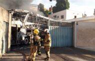 Incêndio destrói ao menos 10 veículos em garagem de BH