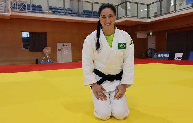 Judoca Mayra Aguiar leva a sua terceira medalha de bronze conquistada em jogos olímpicos