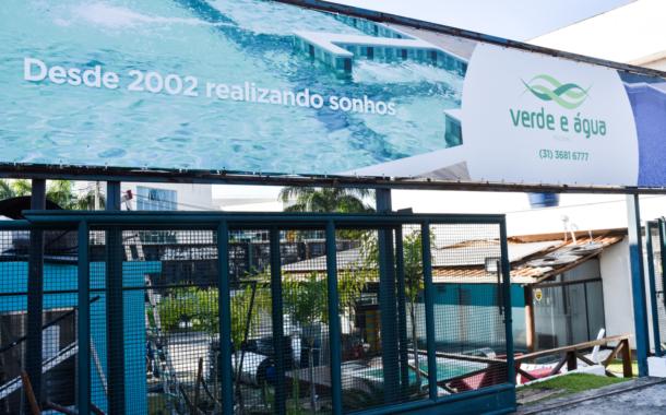 Feras da Construção: Verde e Água Piscinas