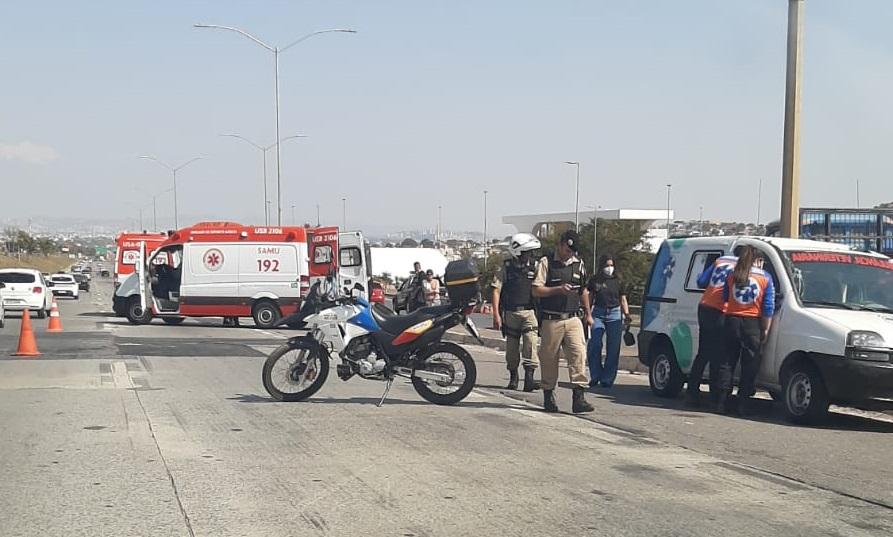 Acidente na MG10 prejudica o trânsito sentido Belo Horizonte