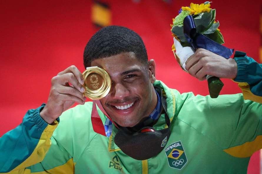 Manhã dourada para o Brasil no último dia dos Jogos Olímpicos de Tóquio 2020