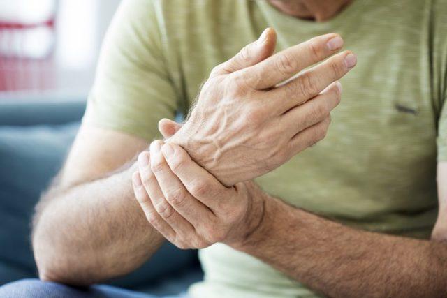 Esclerose Múltipla: o que é, quais os sintomas e como tratar?