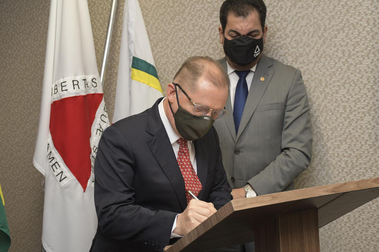 Acordo entre TJMG e Cemig pretende trazer economia de energia