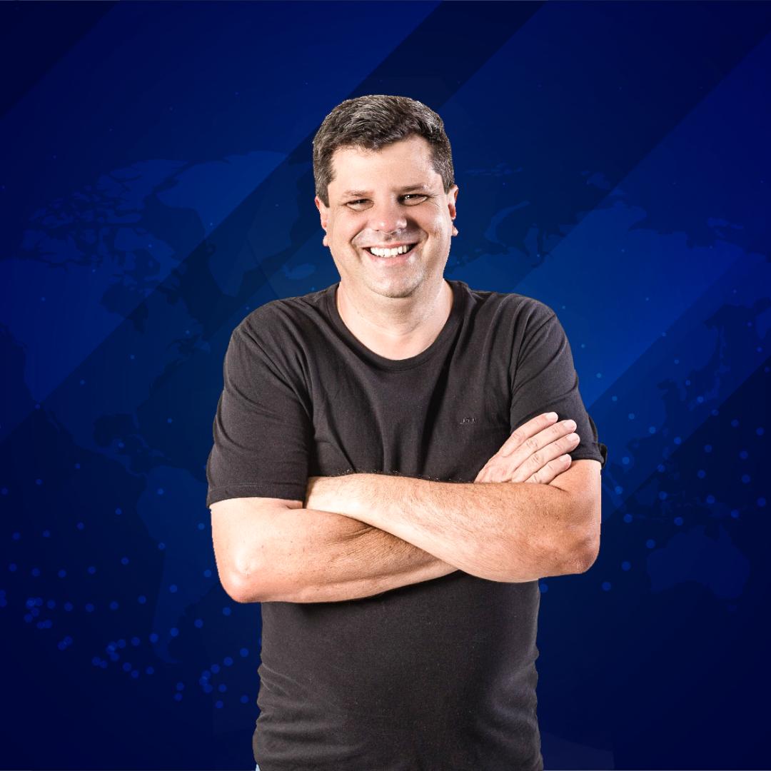 Ele está de volta! Entrevista com o vice-prefeito Breno Salomão