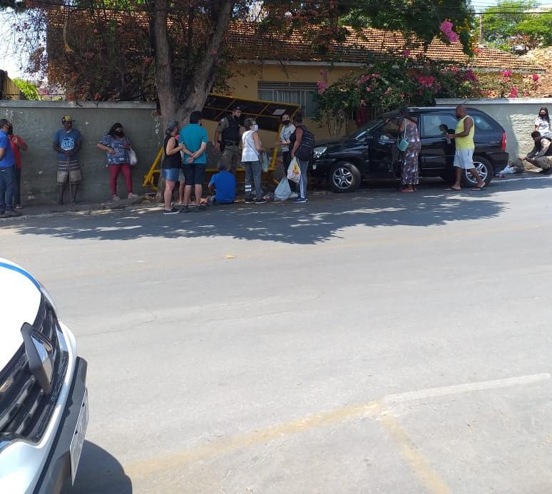 Acidente grave no centro de Lagoa Santa deixa quatro pessoas feridas